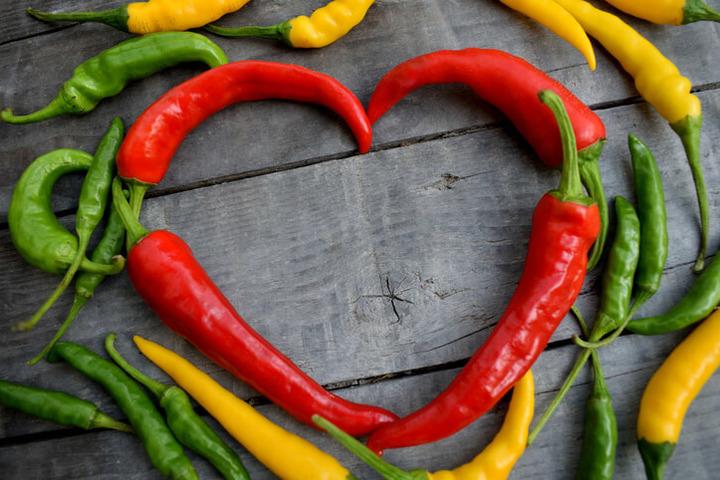 I benefici del peperoncino per la salute di cuore e cervello
