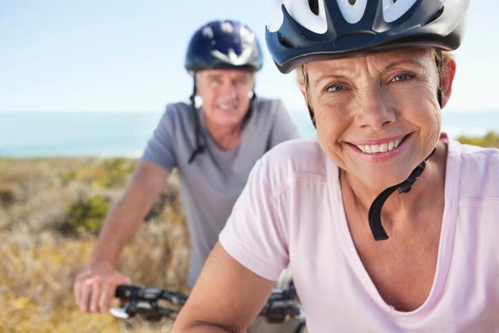 Dieta sana, tanto sport e niente fumo: i segreti per vivere più a lungo
