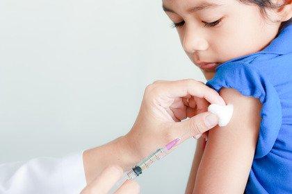 Nei bambini il vaccino antinfluenzale dimezza i ricoveri ospedalieri
