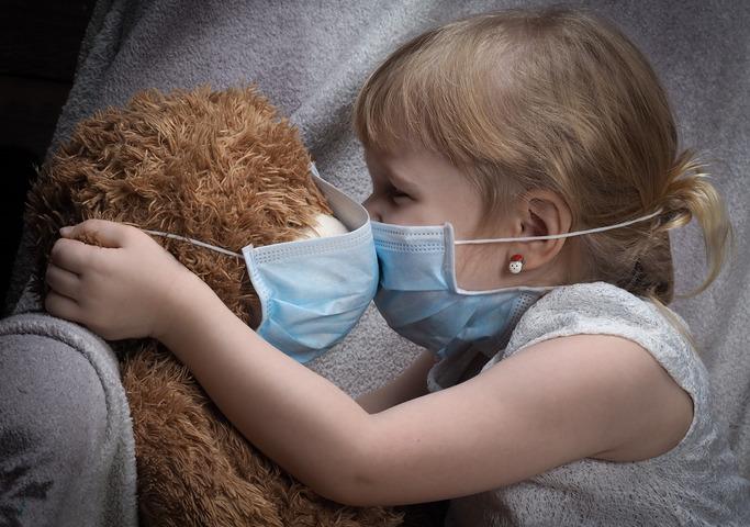 Covid-19: «Le persone immunodepresse non smettano le loro cure»
