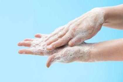Lavarsi (bene) le mani: la protezione più semplice contro le malattie infettive