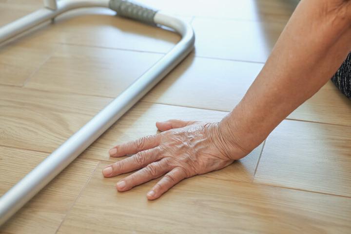 Il buon udito sostiene l'equilibrio e allontana cadute e demenza