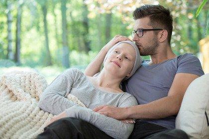 Come tutelare la coppia se uno dei due ha un tumore