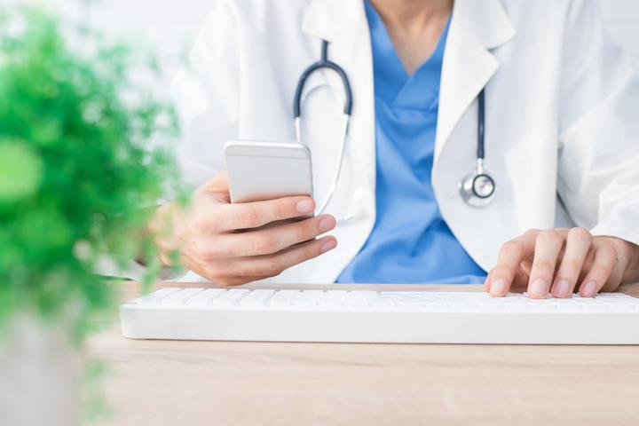 Oncologia e Coronavirus: 7 reparti su 10 non si sono fermati