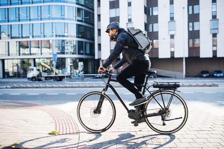 Il casco serve sempre e comunque, soprattutto tra i cicloamatori