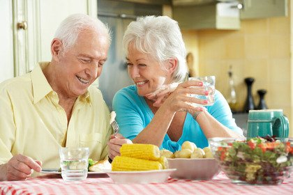 Dieta: quali sono le esigenze di una persona anziana?