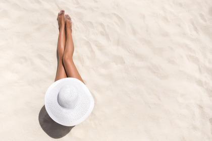 Esporsi al sole è pericoloso per lo sviluppo del tumore al seno?