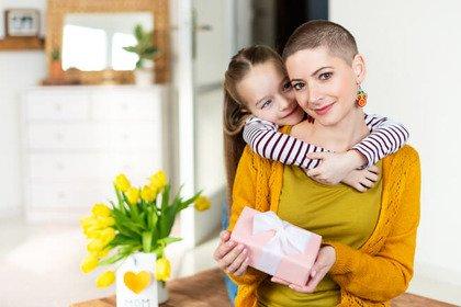 Diventare mamme dopo il cancro si può: ecco come
