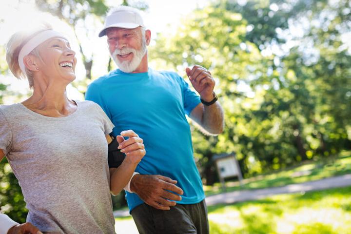 Quali attività sportive sono indicate oltre i 65 anni?