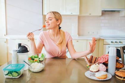 Il tumore dell'ovaio si previene (anche) evitando il cibo spazzatura