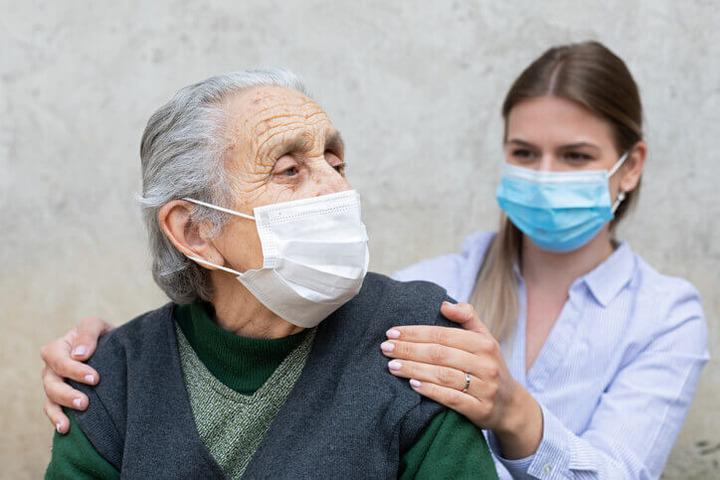 Disturbi neuropsichiatrici in aumento nelle persone con demenza