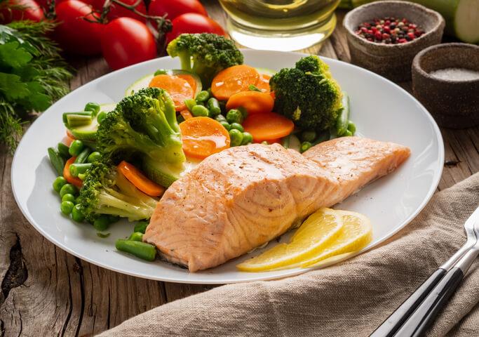 È la dieta «pescetariana» lo scudo contro le malattie cardiovascolari
