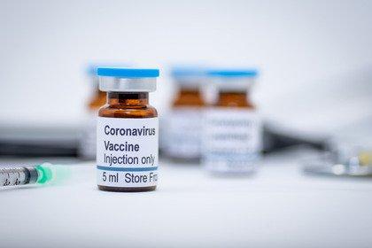 Covid-19: il punto della situazione sul vaccino di AstraZeneca