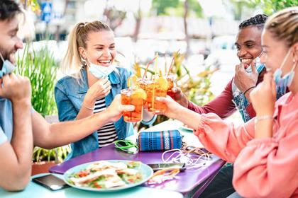Alcol: in Italia consumi ancora elevati (soprattutto per giovani e donne)
