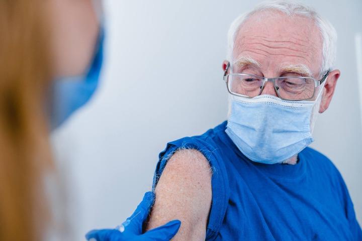 Vaccino Pfizer BioNTech: via libera anche in Europa