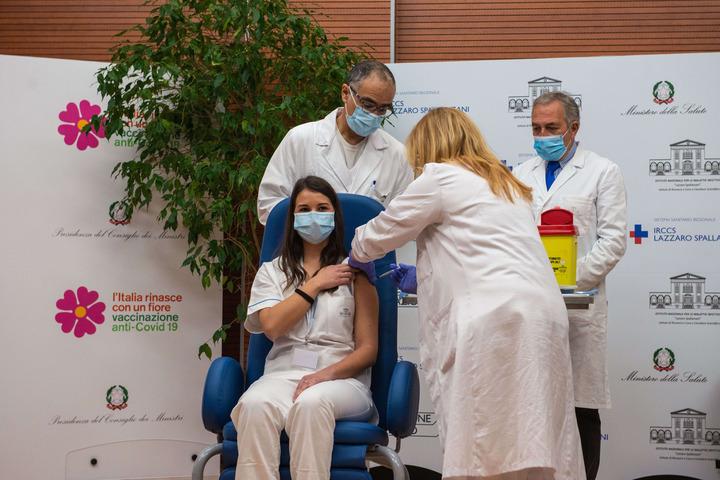 Covid-19: tutte le risposte ai dubbi sul vaccino contro Sars-CoV-2