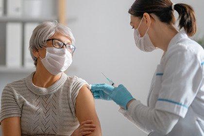 Pfizer-BioNTech e Moderna: inizia l'era dei vaccini a mRNA