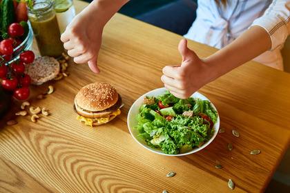Vita più breve e cuore meno in salute se si eccede con il «junk food»