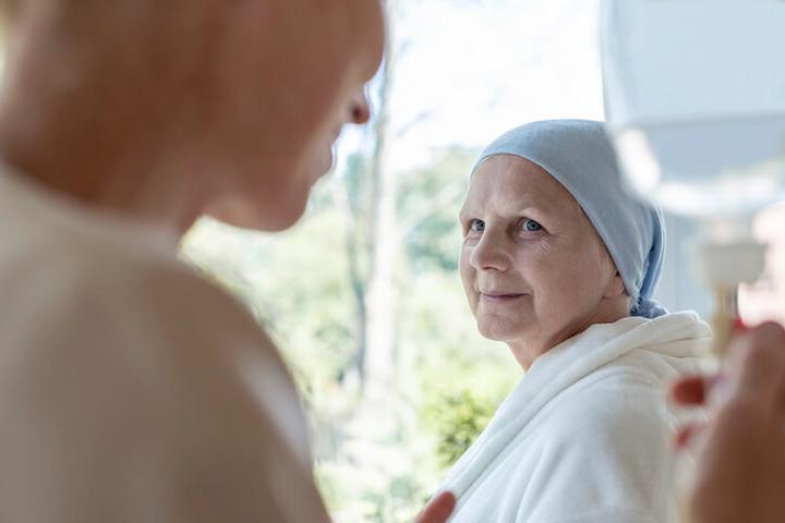 Cancro: qual è l'impatto della malattia sulla psiche degli anziani?