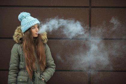 Sigarette elettroniche: più fumatori fra i ragazzi che le hanno usate presto