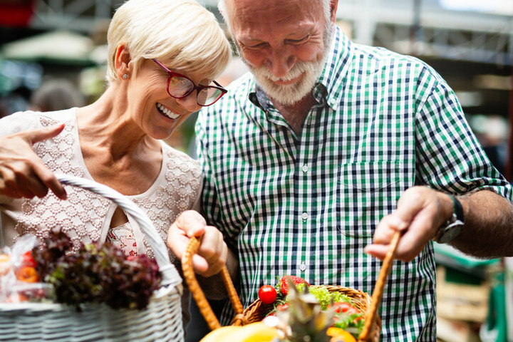 Sonno e anziani: ecco la cena antinsonnia