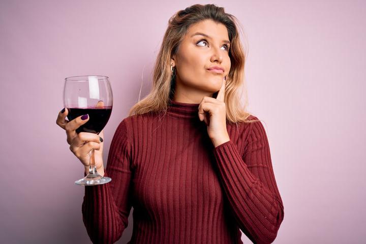 Le tre fasi della vita in cui l'alcol è più pericoloso per il cervello