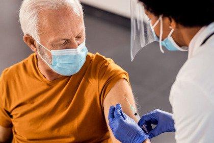 Covid-19: una sola dose di vaccino per chi ha superato l'infezione