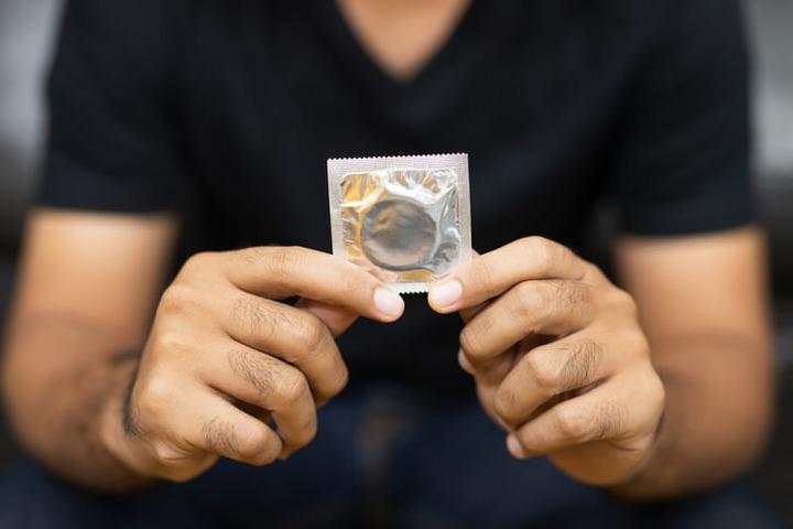 HPV: perché il preservativo non basta a impedire il contagio?