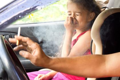 Il fumo passivo «avvicina» l'ipertensione fin dall'età infantile