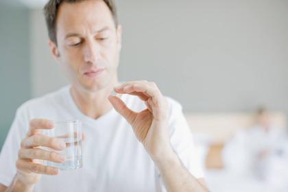 Rettocolite ulcerosa e farmaci: quali sono gli effetti collaterali della mesalazina?