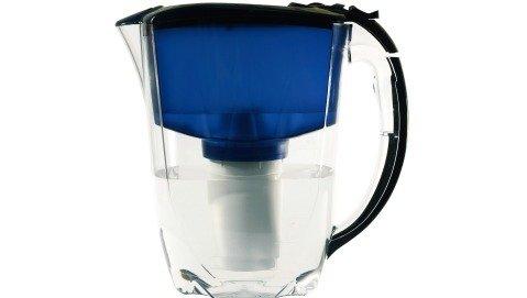 Le caraffe filtranti depurano davvero l'acqua?