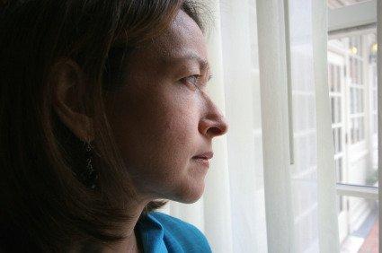 La menopausa? Colpa degli uomini che preferiscono partner giovani