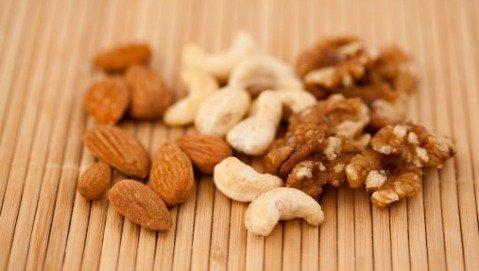 30 grammi di frutta secca al giorno allungano la vita?