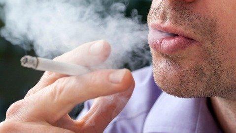 Coronavirus: per i fumatori rischio di terapia intensiva più che raddoppiato
