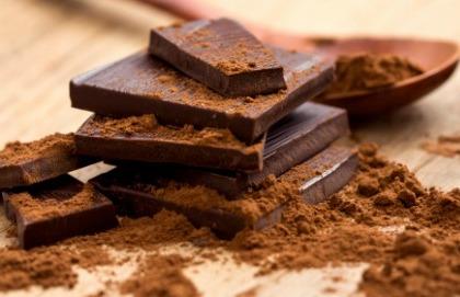 Il cioccolato fondente fa bene ai denti?