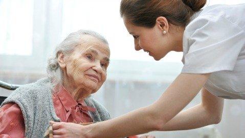 Un anziano su 3 esce dall'ospedale meno autonomo di prima