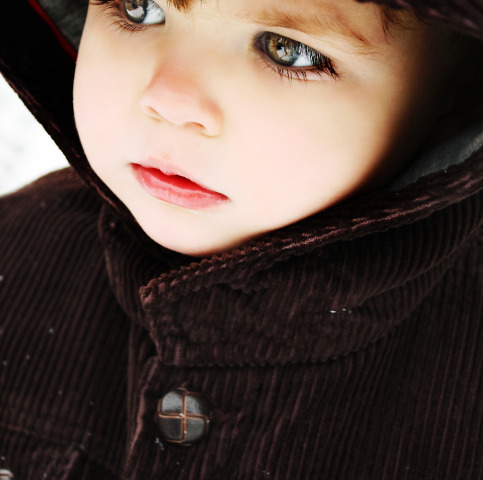 Come evitare che il freddo renda secca la pelle dei bambini