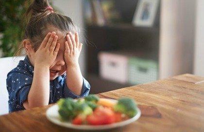 Bambini e alimentazione: ecco cosa mangiare