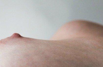 Dolore e prurito a livello del capezzolo: cosa può essere?
