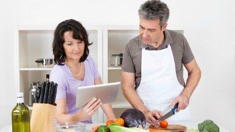 Frutta, verdura, fibre e acqua gli alimenti contro i diverticoli