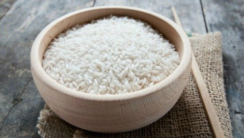 È vero che mangiare riso la sera favorisce il sonno?
