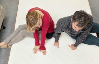 Materasso e cuscino: come sceglierli per evitare il mal di schiena?