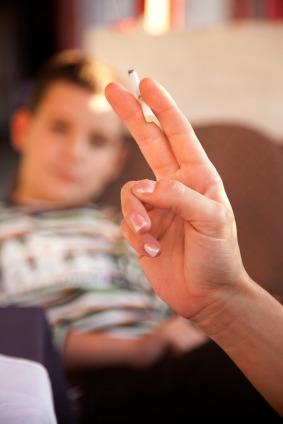 Se stai a casa da scuola è colpa del fumo dei tuoi genitori