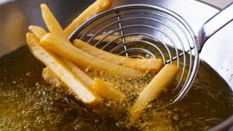 Si chiama acrilamide il rischio dei cibi fritti