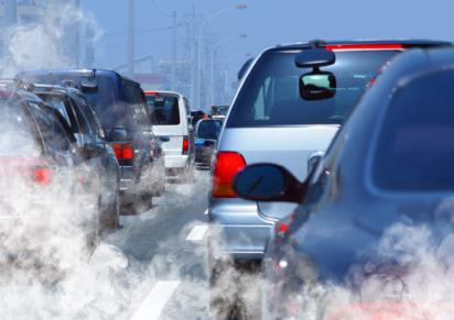 Il traffico non solo toglie il respiro, fa anche male al cuore