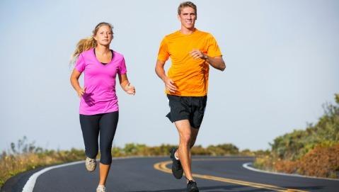 Settantacinque minuti a settimana di camminata e corsa