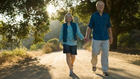 Un buon passo fa la differenza per la salute di un anziano