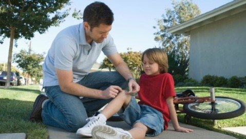 Ginocchio e schiena: mai sottovalutare i dolori durante l'adolescenza