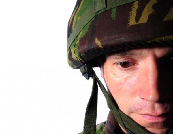 I terribili traumi della guerra: ucciso il nemico, molti soldati si suicidano