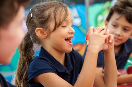 L'alimentazione in età scolare e nell'adolescenza